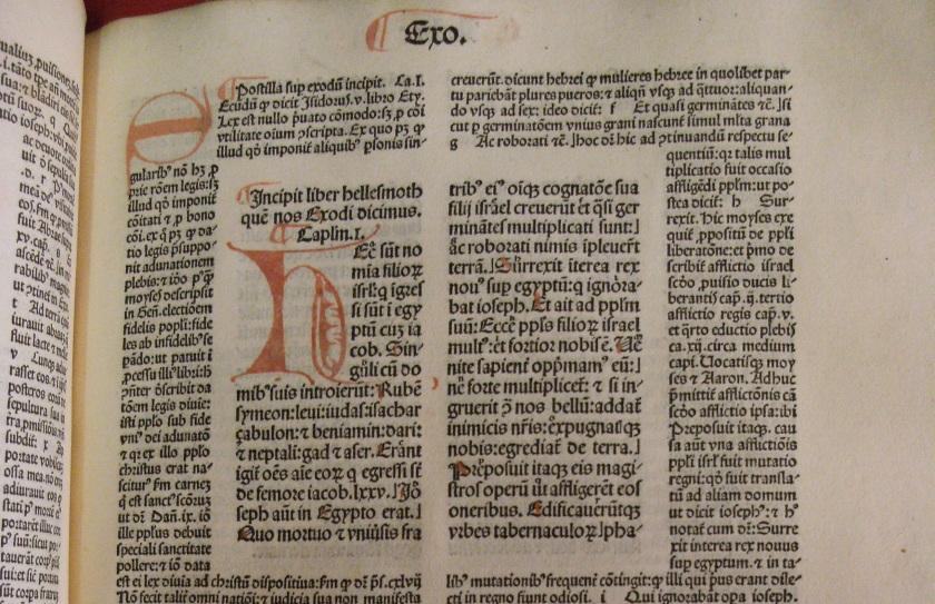 Uncoloured illuminated initial from vol. 1 of Biblia cum postillis Nicola de Lyra (Photo: Balliol College Library)