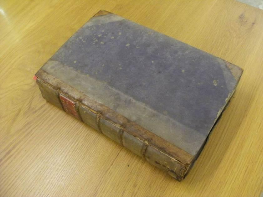 Cover and binding of Biblia cum postillis Nicola de Lyra Vol 4 (Photo: Balliol College Library)