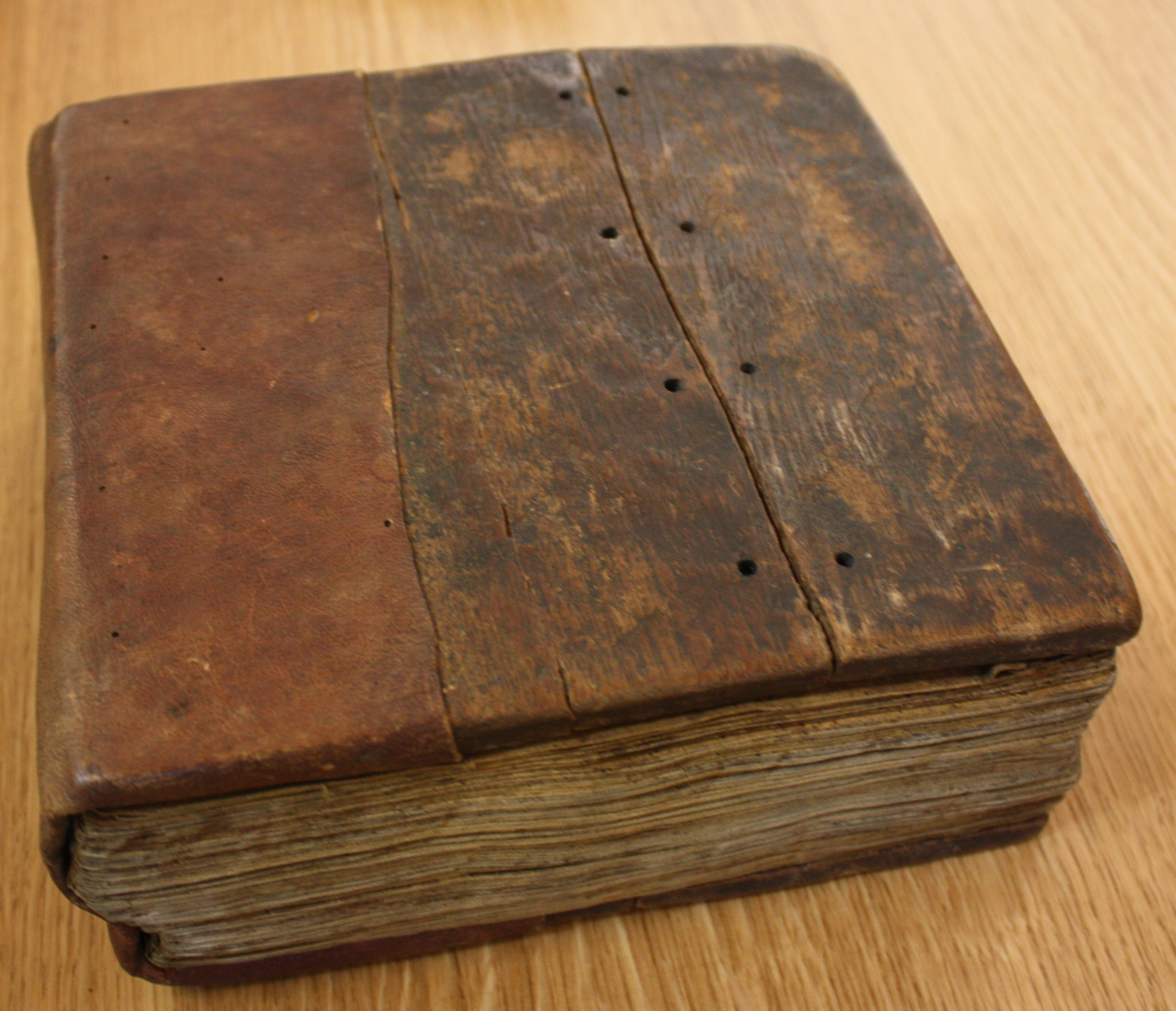 Cover of Ms 366 made from wooden board